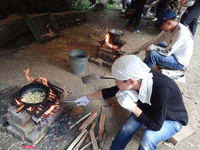 火起こし&煮炊き