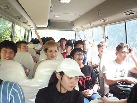帰りのバスの車内で合格発表